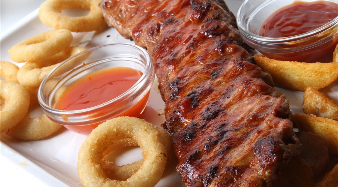 Best bbq Ribs and fries in Ontario, Canada.